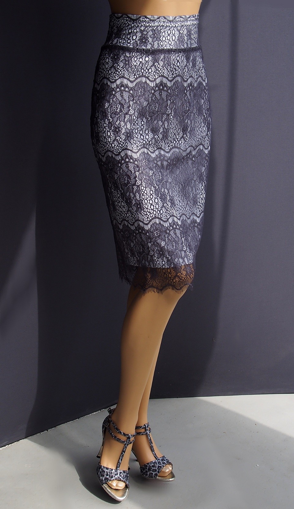 td 038  lace tango skirt